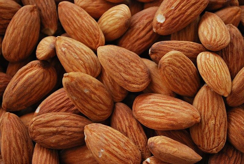 frutos secos, almendras que contienen calcio