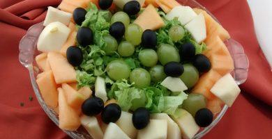 plato de ensalada agridulce