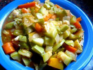 Guiso de habas y otros vegetales