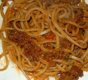 plato de tallarines salsa pomarola