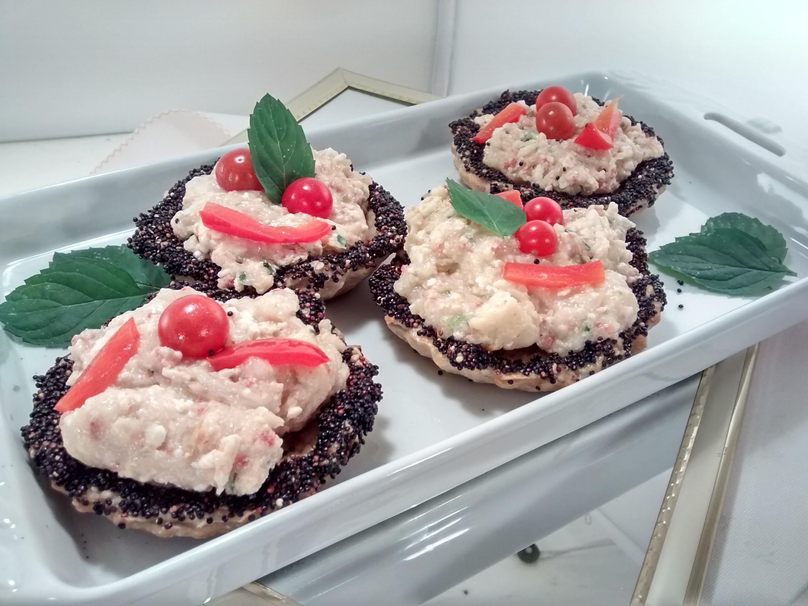tarteletas saladas rellenas con puré de berenjenas