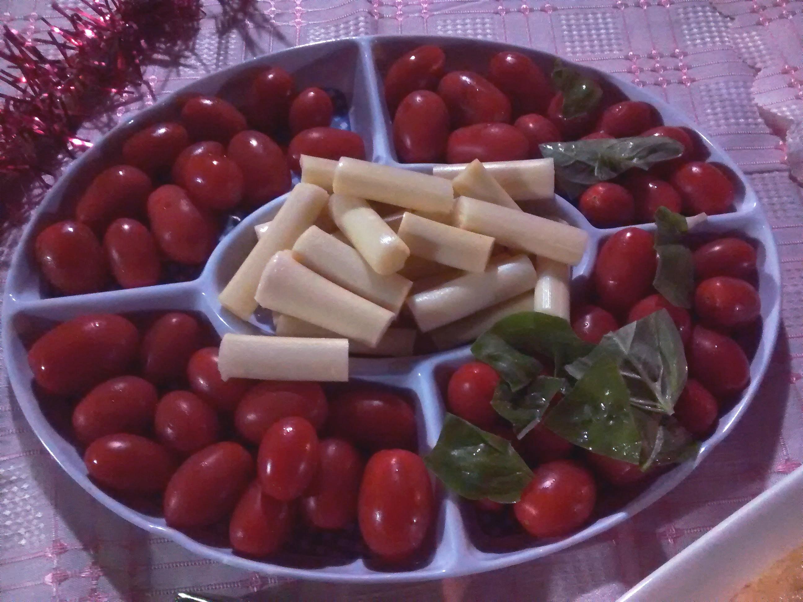 Ensalada de tomates cherry y palmitos