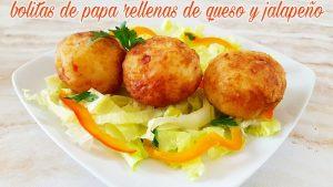 Bolitas de papa rellenas de queso y jalapeño. Deliciosas!